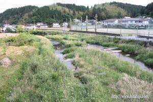 東有田中学校付近の有田川