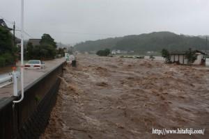 昨年の豪雨・本村橋から見た有田川