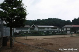 静かな東有田中学校