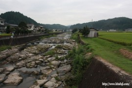 本村橋から見た上流26.10.6