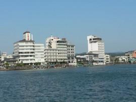 三隈川から見たホテル